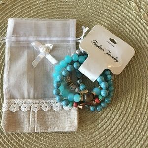 Jewelry - Turquoise Natural Beads Bracelet w/ Pouch